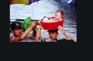 """洪水中,3个月大婴儿获救,妈妈最后姿势曝光:""""孩子,好好活着,记得我爱你。"""""""