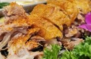 烤羊排、奶豆腐、羊肉包子、奶酪馅饼,内蒙古真是太顶了!