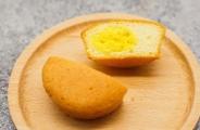蛋黄派是怎么注心的?谁给灌的馅?